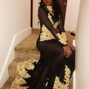 Dresses & Skirts - Black and gold prom dress